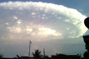 Extraña nube